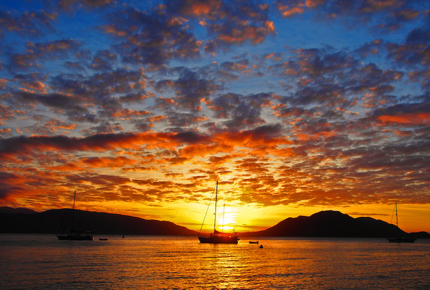 The sun sets over the beautiful Fitzroy Island