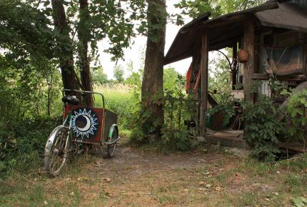 A Christiania Cargo Bike outside a free town dwelling