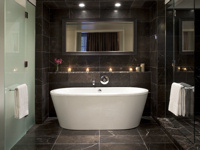 Rosewood Hotel Georgia - Bathroom