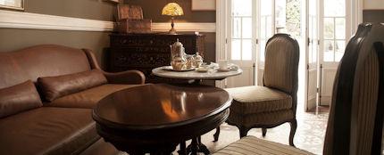 Hotel B Living Room