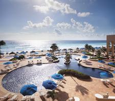 Cancun pool