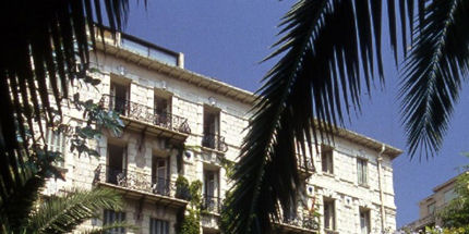 The hotel is centrally located in Nice