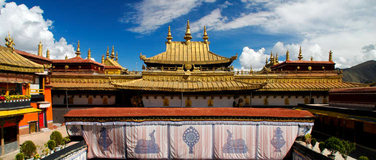 The golden roof on Jokhang Temple, Lhasa