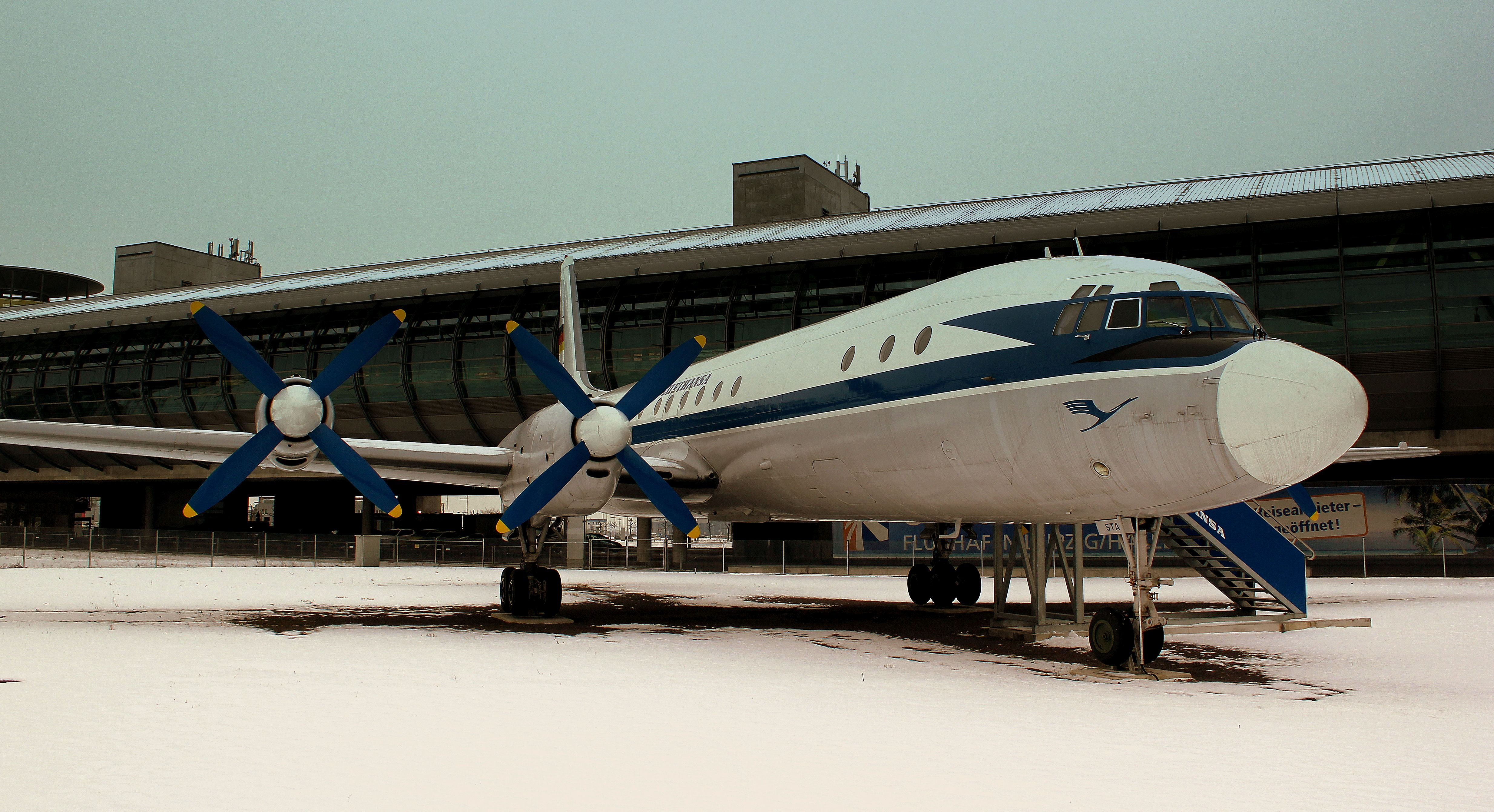Snow on the runway at Leipzig Halle Airport