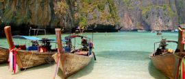 Long tail boat, Leonardo Bay