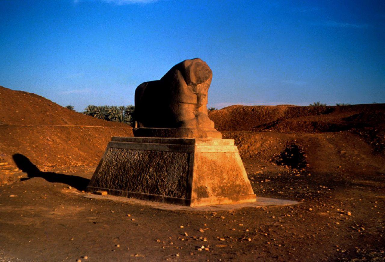 Lion of Babylon Statue, Iraqi desert