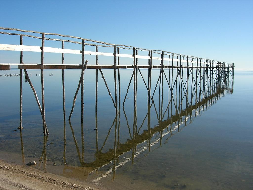 Iron-flat Lake Winnipeg