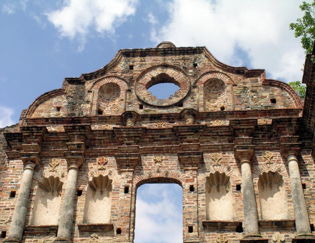 Ruins, old town, Panama City