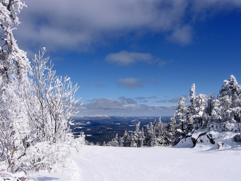 Ski in Mt Sunapee, New Hampshire