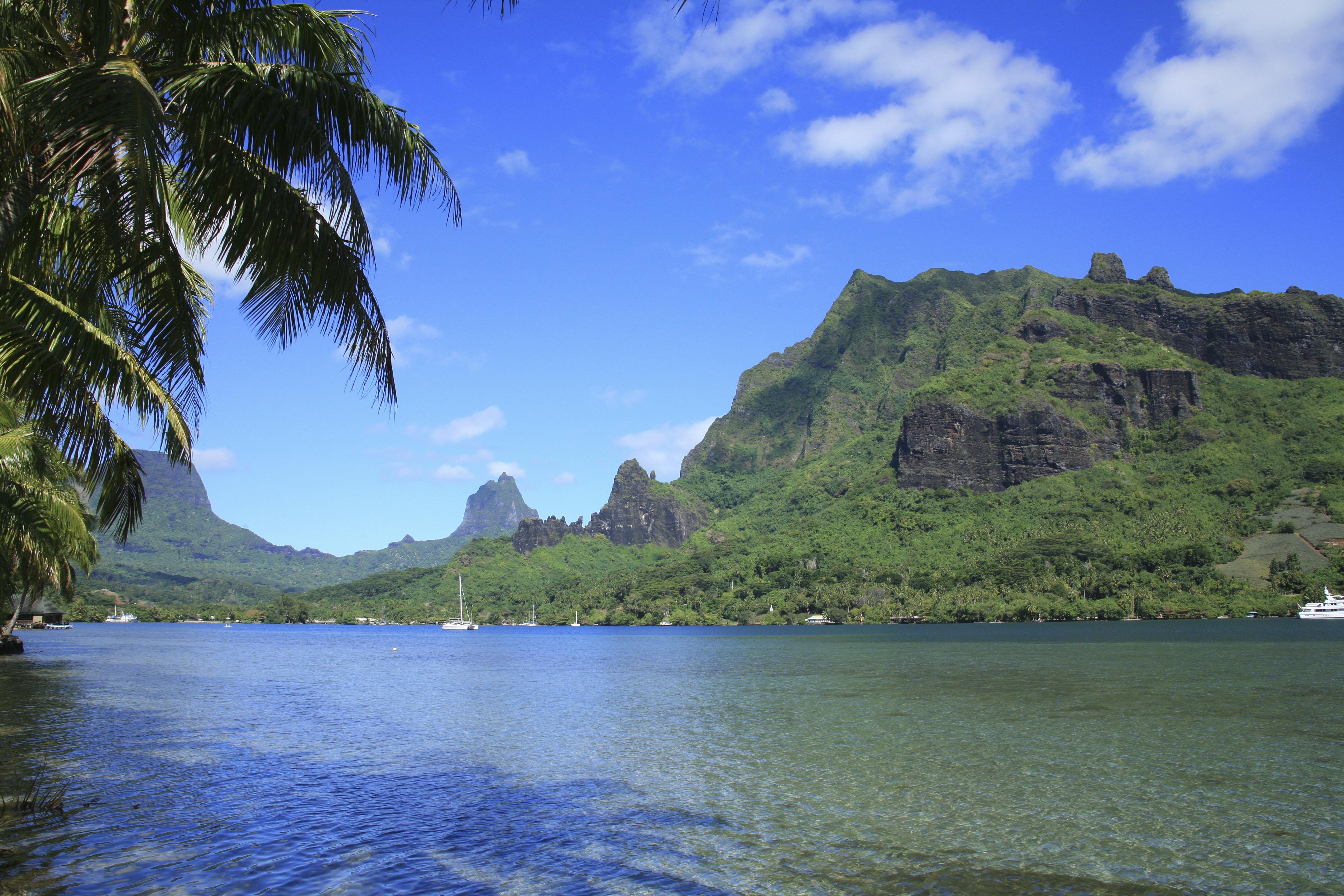 Cook's Bay, Tahiti